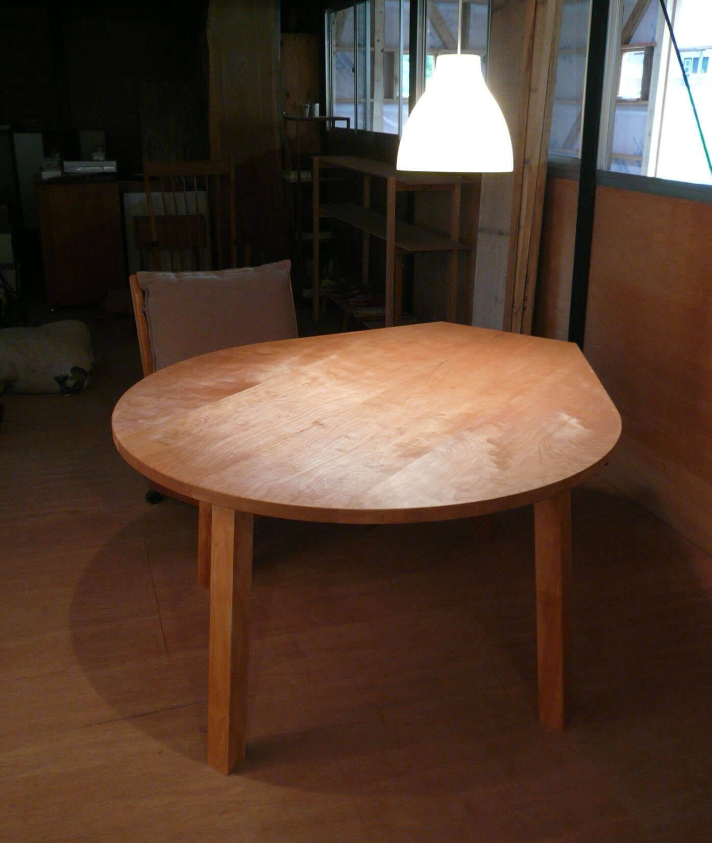港北N邸の世界にひとつだけのダイニングテーブル
