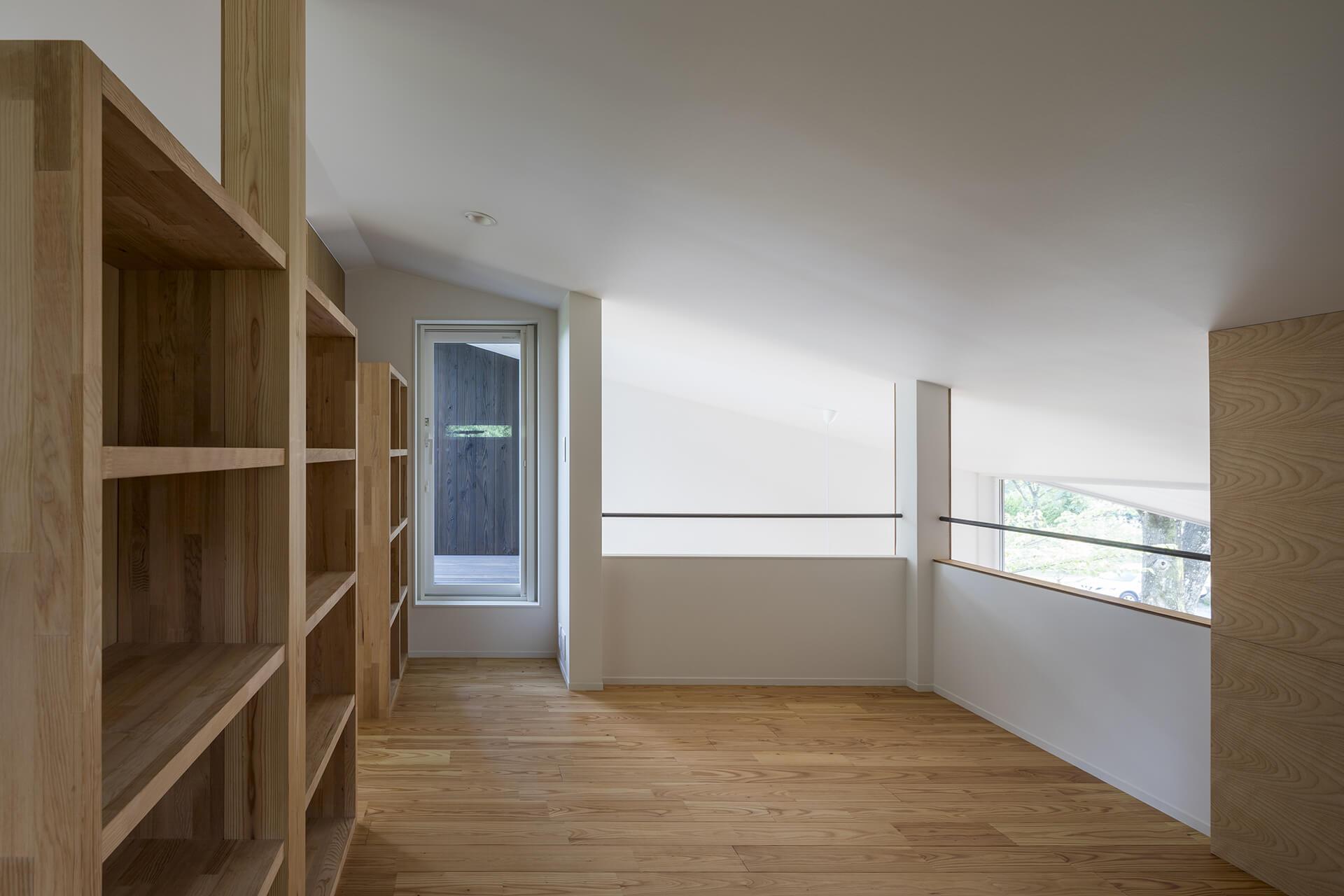 小淵沢K邸多目的室から屋上テラス