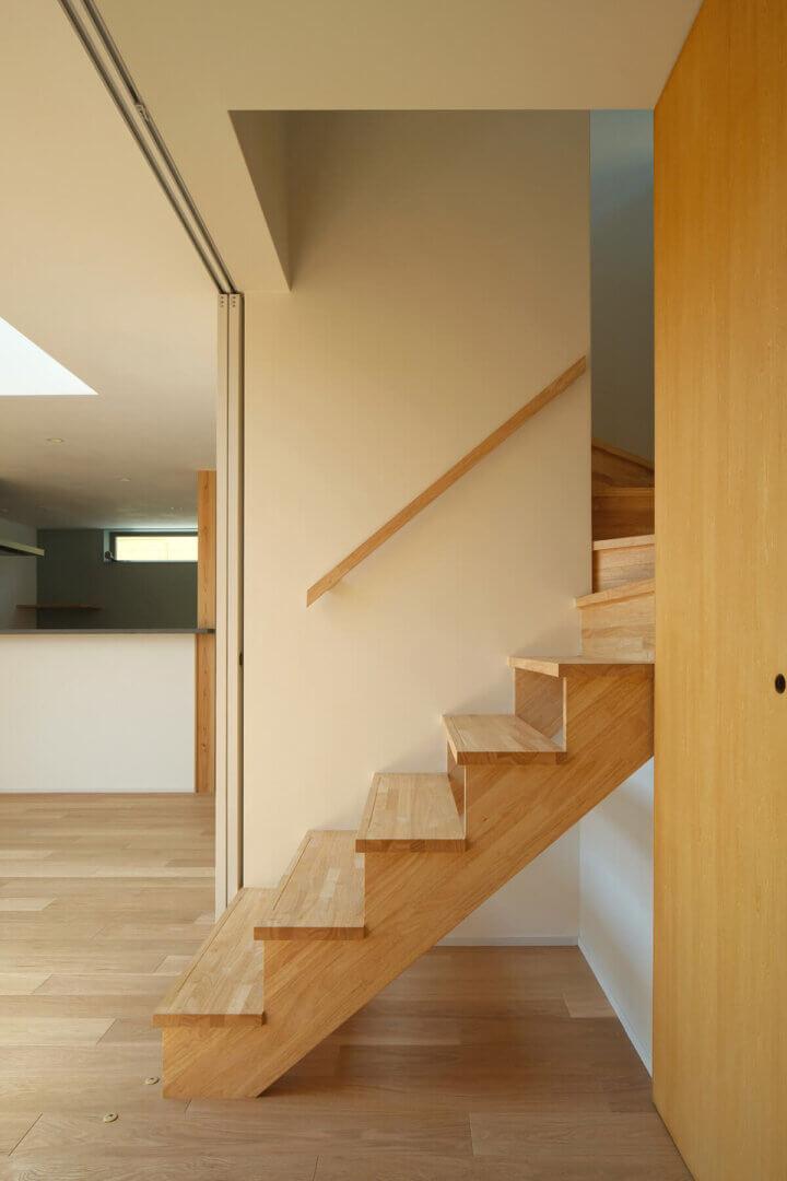 つくばH邸 玄関ホールから階段方向