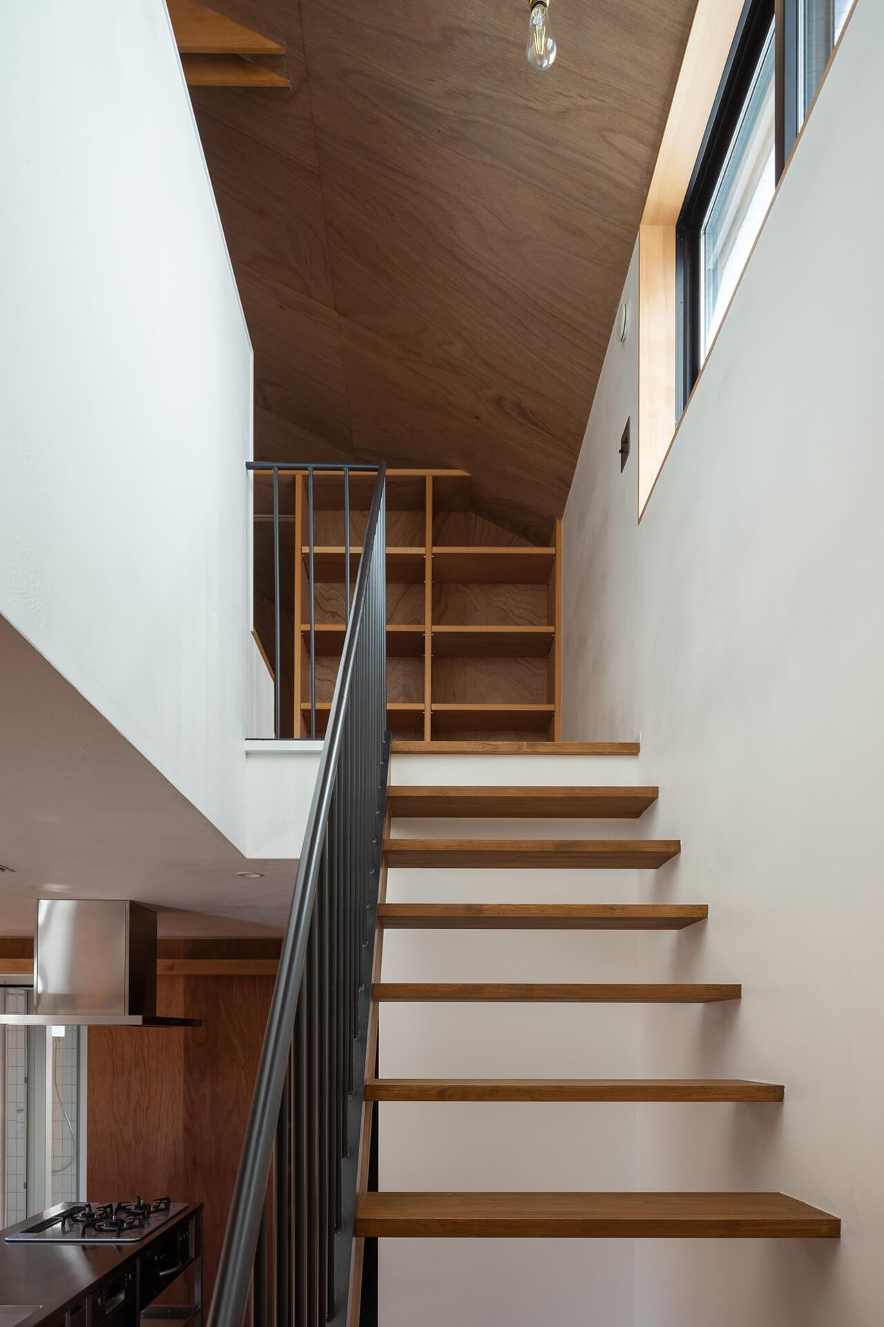 江古田K邸 階段から上階